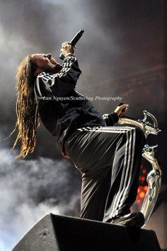 Jonathan Davis of Korn..... what a beautiful man...