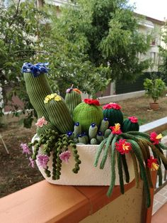 Cactus idea – From Parts Unknown Crochet Cactus, Crochet Diy, Crochet Home Decor, Crochet Decoration, Crochet Flowers, Cactus Craft, Crochet Animals, Free Knitting, Crochet Projects