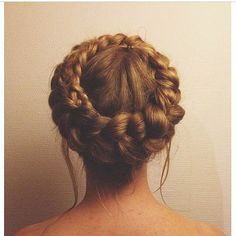 Images and videos of prom lips Trending Hairstyles, Popular Hairstyles, Braided Updo, Braided Hairstyles, Natural Hair Styles, Short Hair Styles, Different Braids, Cute Girls Hairstyles, Hair Styler