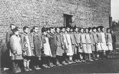 Appell im Jugendschutzlager Litzmannstadt, Dezember 1942