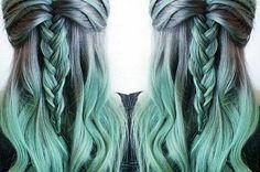 I'm doing this when I'm older and my hair is all grey mint hair Violette Highlights, Color Fantasia, Coloured Hair, Dye My Hair, Mermaid Hair, Crazy Hair, Gorgeous Hair, Beautiful, Hair Trends