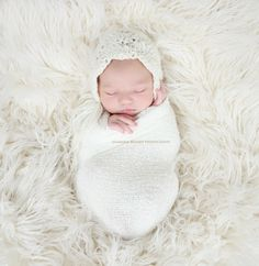 Image by Ana Brandt Ana Brandt is an Orange County California photographer #baby #newborn