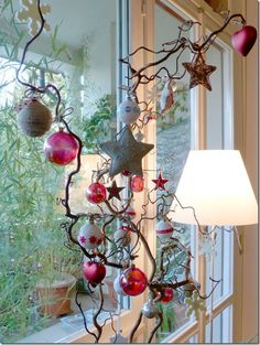 ... natale Winter Holidays, Holidays And Events, Happy Holidays, Festival Decorations, Xmas Decorations, Christmas Time, Christmas Crafts, Alternative Christmas Tree, Garland