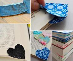 Marcador de livro em forma de coração, feito em tecido.