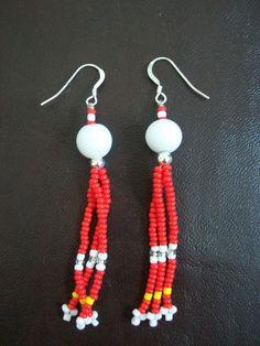 Boucles d'oreilles perles de rocailles rouge framboise : Boucles d'oreille par zella