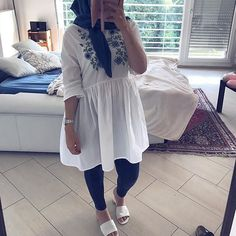 Fashion Hijab Awesome Outdoor Cute - In Hijaber Modern Hijab Fashion, Islamic Fashion, Abaya Fashion, Muslim Fashion, Modest Fashion, Trendy Fashion, Fashion Outfits, Fashion Muslimah, Style Fashion