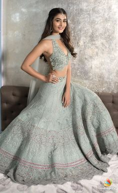 ideas for dress wedding guest summer classy work outfits Indian Lehenga, Lehenga Choli, Lehenga Designs, Indian Wedding Outfits, Indian Outfits, Indian Wedding Sarees, Wedding Dresses, Pakistani Bridal, Bouquet Wedding
