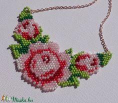 Rózsás gyöngy nyaklán, rózsaszín (DobisMaria) - Meska.hu