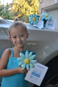 September is Ovarian Cancer Awareness Month and the Why Teal campaign is in full swing. 5 ideas to get started tealing. Ovarian Cancer Awareness, Cervical Cancer, Breast Cancer Survivor, Ovarian Cyst Symptoms, Teal And Pink, 5 Ways, Cure, Cookie, Boxes