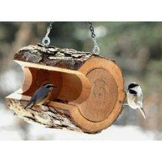 Vogelhäuschen basteln Ideen: Vogelhäuschen Baumstamm - WomenWeb.de