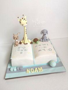 Books and Baby Animal love - cake by Lulu Goh - CakesDecor Baby Shower Cakes, Baby Shower Parties, Baby Boy Birthday Cake, Wild One Birthday Invitations, Jungle Cake, Baby Dedication, Ballerina Cakes, Love Cake, Celebration Cakes