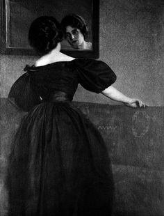 Girl with mirror, 1906  \\ Photoimpressionism -  HEINRICH  KUHN (  1866– 1944 )