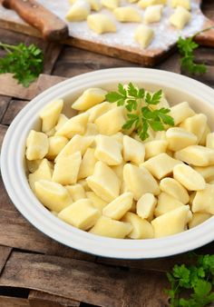 Kopytka Polish Recipes, Dumplings, Cantaloupe, Main Dishes, Menu, Cooking Recipes, Favorite Recipes, Vegan, Fruit