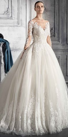 Junoesque Tulle Scoop Neckline Natural Waistline Ball Gown Wedding Dress With Lace Appliques