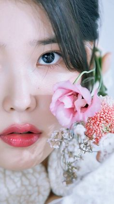 Discovered by Miss Ayuu. Find images and videos about beautiful, kpop and aesthetic on We Heart It - the app to get lost in what you love. Pretty Korean Girls, Korean Beauty Girls, Beautiful Asian Girls, Asian Beauty, Haikou, Manga K, Iu Twitter, Iu Fashion, Korean Actresses