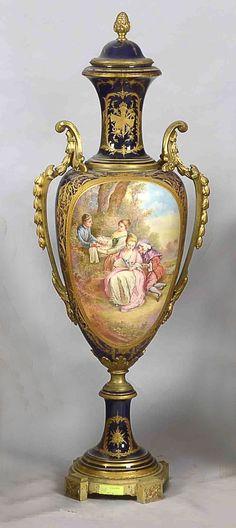 Potiche de porcelana de Sevres,siglo XIX