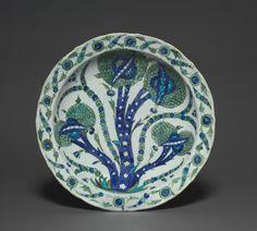Large Dish with Artichokes, c. 1535-1540  Turkey, Iznik, Ottoman Period, 16th Century  fritware with underglaze-painted design