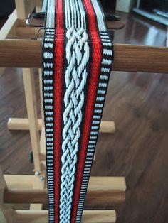 Hearts on Fibre: Adventures in Inkle Weaving Pickup weaving Alos best post on Cardboard Inkle loom creation!!!!