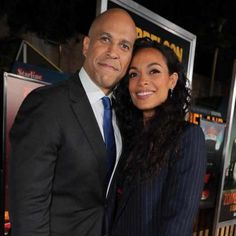 In 2016, Rosario Dawson was a hardcore Bernie Sanders supporter and dating Eric Andre.  How things have changed, for the country and her love life.  Sen. Sanders is once again... Celebrity Scandal, Celebrity Couples, Celebrity Gossip, Celebrity Photos, Political Status, Eric Andre, Jenner Photos, Cory Booker, Mary Elizabeth Winstead