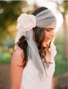 Boho Chic / Wedding Style Inspiration / not my style but pinning cuz super cute Wedding Veils, Boho Wedding, Dream Wedding, Wedding Dresses, Boho Bride, Bridal Headpieces, Bridal Hair, Bohemian Schick, Boho Stil