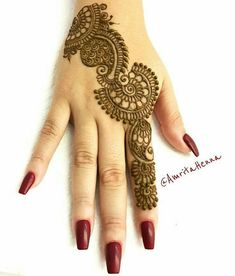 Explore latest Mehndi Designs images in 2019 on Happy Shappy. Mehendi design is also known as the heena design or henna patterns worldwide. We are here with the best mehndi designs images from worldwide. Indian Henna Designs, Henna Tattoo Designs Simple, Finger Henna Designs, Back Hand Mehndi Designs, Legs Mehndi Design, Full Hand Mehndi Designs, Mehndi Designs 2018, Mehndi Designs For Beginners, Mehndi Designs For Girls