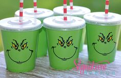 Green Party cups need ordered now Grinch Christmas Party, Grinch Who Stole Christmas, Christmas Birthday Party, Christmas Party Themes, Kids Christmas, Holiday Fun, The Grinch, Grinch Punch, Grinch Party