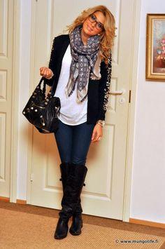 Black boots. Dark jeans. White shirt. Black blazer. Silk print scarf. Black leather bag.