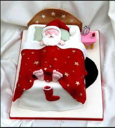 Christmas Cake Decoration Ideas Christmas cake decorating ideas and designs: Christmas cake is a type of fruit cake served during Christmas time in many countri Wish You Merry Christmas, Merry Christmas Greetings, Simple Christmas, Beautiful Christmas, Christmas Time, Father Christmas, Christmas Lights, Christmas Ornaments, Christmas Cupcakes Decoration
