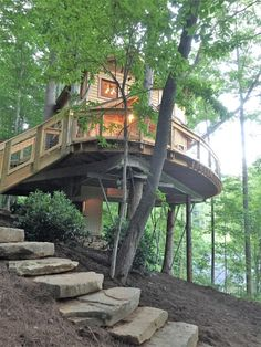Picture of Design Photo Poto Luxury, Elegant, Classic, Beautiful and How to Care Wooden House . The Most Unique Wooden House in the World Beautiful Tree Houses, Cool Tree Houses, Beautiful Homes, Adult Tree House, Tree House Plans, Future House, My House, Treehouse Cabins, Treehouses