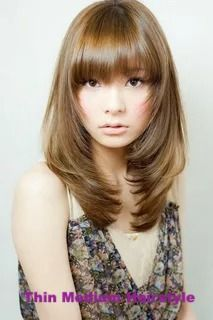 10 Woman Easy Medium Hairstyles Ideas suit your face and hair type is to consult with a stylist you trust. Bring along some magazine pictures of styles you like so you can discuss their suitability with your beauty parlor pro. Check here . #mediumhairstyle #thinmediumhairstyle #womanhairstyles Thin Wavy Hair, Layered Haircuts With Bangs, Easy Hairstyles For Medium Hair, Long Layered Hair, Fringe Hairstyles, Hairstyles With Bangs, Short Hair Cuts, Medium Hair Styles, Short Hair Styles