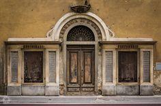 La Farmacia Di San Marco a Firenze (Walking Along Via Cavour in Florence)