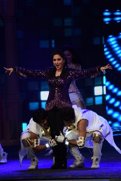 Madhuri Dixit performing at the opening ceremony of T20 Mumbai Cricket League