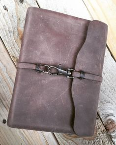 Handmade Leather Scriptures book by CircleM. Leather strap and metal clasp closure. notebook cover diy handmade journals Products Currently Available — Circle M Diy Leather Projects, Leather Diy Crafts, Leather Gifts, Leather Bags Handmade, Leather Craft, Leather Book Covers, Leather Books, Leather Book Binding, Leather Cover