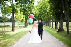 Balloons at a wedding www.cherriecouttsphotography.com