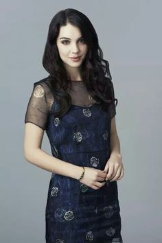 Picture of Adelaide Kane Adelaide Kane, Reign Season 1, Cora Hale, Reign Fashion, Mary Stuart, Victoria, Cute Comfy Outfits, Hair Designs, Christmas Books