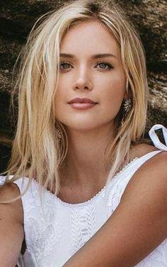 Beautiful Girl Makeup, Beautiful Blonde Girl, Beautiful Lips, Beautiful Girl Image, Beautiful Person, Gorgeous Women, Perfect Sisters, Blonde Beauty, Pretty Eyes