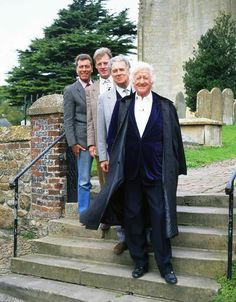 Jon Pertwee and the U.N.I.T. gang. 13th Doctor, Eleventh Doctor, Original Doctor Who, Jon Pertwee, Doctor Who Companions, Classic Doctor Who, Tv Doctors, Sci Fi Tv Shows, Rory Williams