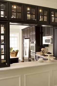 New kitchen window pass through half walls ideas Kitchen Pass, Kitchen Redo, New Kitchen, Kitchen Cabinets, Glass Cabinets, Pass Through Kitchen, Design Kitchen, Upper Cabinets, Dark Cabinets