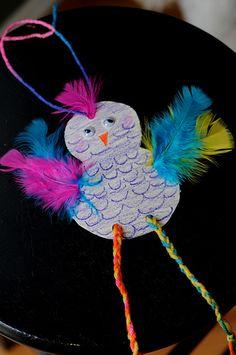 Bird Craft with tutorial Frog Crafts, Bird Crafts, Preschool Crafts, Paper Crafts, Art For Kids, Crafts For Kids, Arts And Crafts, Creative Activities For Kids, Kids Daycare
