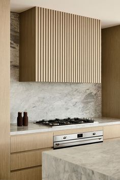 The Definitive Guide to Kitchen Trends for 2020 Wood Kitchen Cabinets, Wooden Kitchen, Kitchen Interior, Home Interior Design, Custom Range Hood, Simple Winter Outfits, Wall Storage Systems, 1950s Design, Built In Furniture