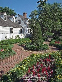 Courtyard Garden in Williamsburg Virginia