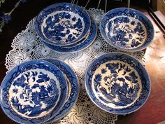 I Love theses kind of Blue and White Dishes. They remind me of my Grandma Jensen. KITCHEN THEME