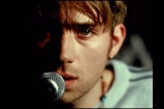 Blur - Beetlebum  GIF Damon Albarn