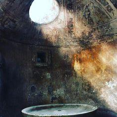 Pompeii Baths.  #oculus #skylight #favouriteroom #interiorcouture #interiors #architecture #decor #interiordesign #interiordesigner #instagood #interiordesignersofinsta #interiorarchitecture #instadaily