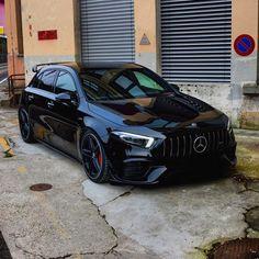 Carros Mercedes Benz, Mercedes Benz Cars, Classe A Amg, Car Memes, Car Goals, Unique Cars, Car Car, Sport Cars, Cars And Motorcycles