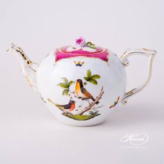 Herend porcelain Tea Pot with Rose Knob – Herend Rothschild Bird Raspberry / Purple Fish Scale design. 1 pc – Tea Pot – vol Liter OZ) RO-EOP – Raspberry / Purple This pattern is… Fine Porcelain, Porcelain Ceramics, Bird Design, Scale Design, Chocolate Pots, Tea Set, Tea Party, Tea Cups, Fine China