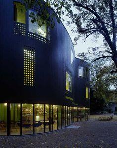 The Aussersihl Community Center in Zürich, Switzerland was designed by EM2N.