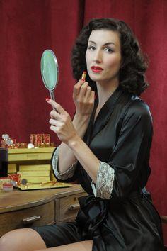 Besame - Classic Color Lipstick Bésame Red