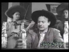 Espinoza Paz no se esperaba la visita sorpresa de 'Don Chente' para recibir sus mejores consejos.