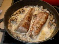 Pork fillet with mushrooms for guests - recipe- The perfect pork fillet with mushrooms for guest recipe with simple step-by-step instructions: wash the meat, pat dry and add pepper, salt … Protein Desserts, Protein Smoothies, Fall Recipes, Dinner Recipes, Dessert Recipes, Shake Recipes, Schnitzel Recipes, Best Protein Shakes, Pork Fillet